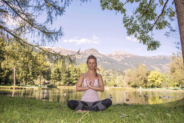 Yoga - Atme die Berge