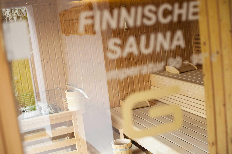 Bei rund 80 – 90˚ C sollten Sie nicht länger als 20 Minuten in der Sauna verweilen