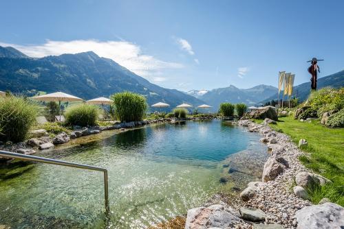 Naturbadeteich mit Weitblick